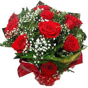 Buquê com 12 Rosas Colombianas Inclinado