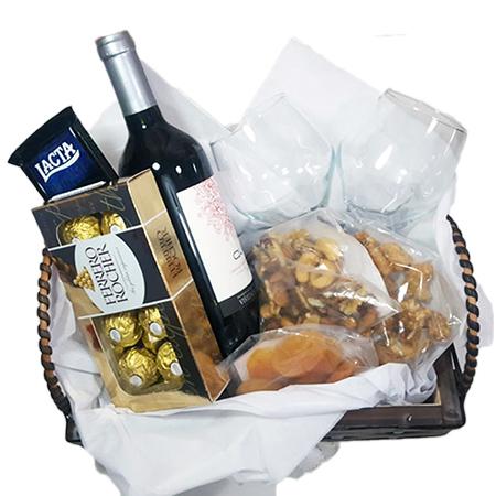 Kit Vinho e Chocolates Frente